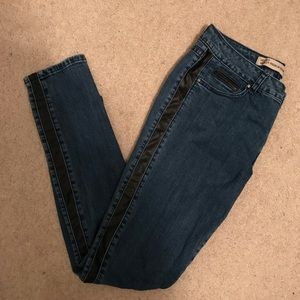 Velvet Heart size 29 skinny jeans w faux leather